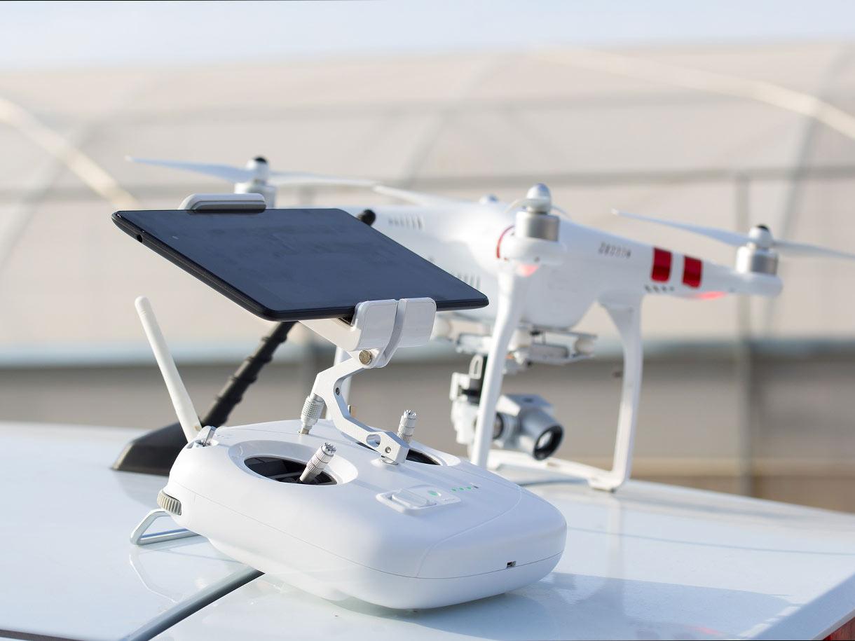 Instandhaltung und Prüfung von Multikoptern (Drohnen)