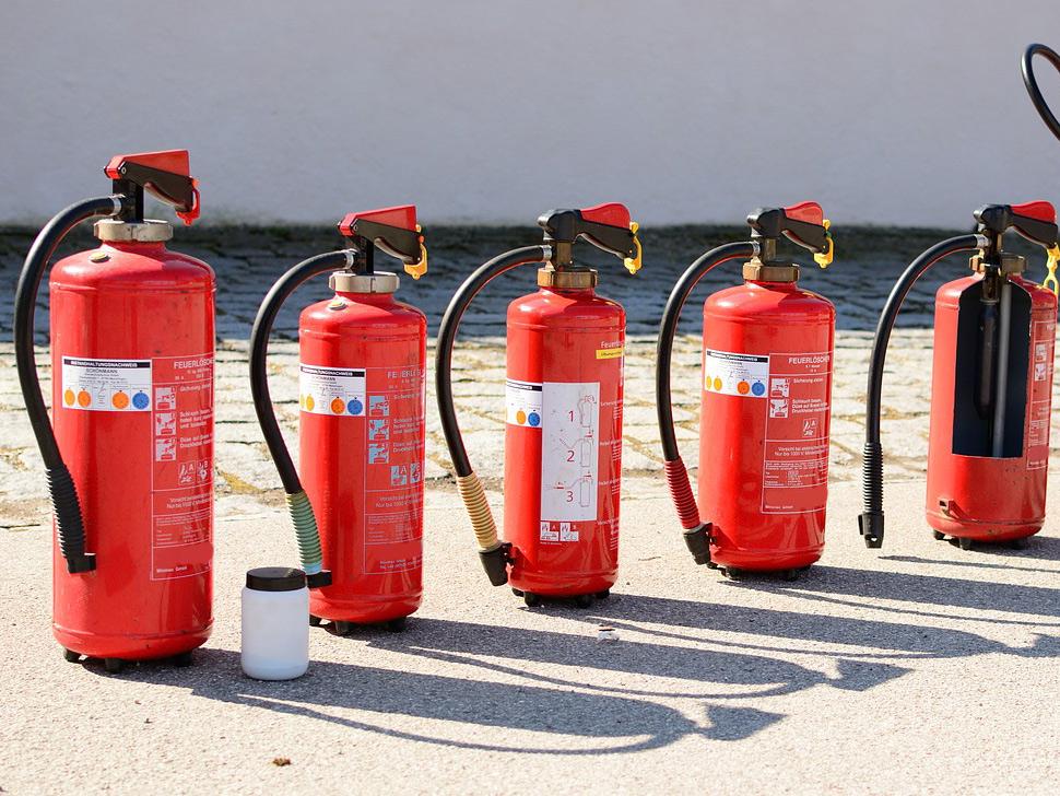 Auswahl und Einsatz von Feuerlöschern bei Löschübungen
