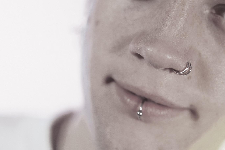 Tabu beim Feuerwehrsport: Piercings und transdermale Implantate